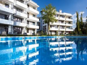 Equilibrium Apartments