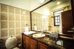 Anara Villa Service Apartments - Sainik Farm, Апартаменты  Нью-Дели - big - 18