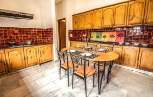 Anara Villa Service Apartments - Sainik Farm, Апартаменты  Нью-Дели - big - 14