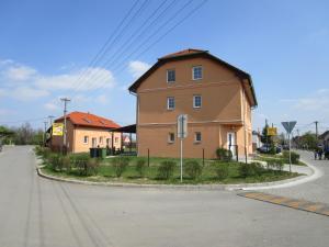 Penzion Semer�d v Hevl�ne