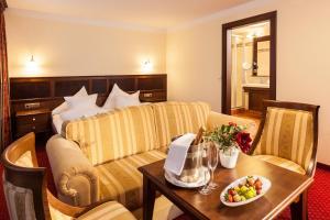 Hotel Eagles Inn