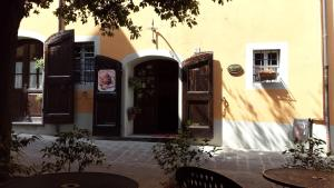 Antica Casa Dei Rassicurati