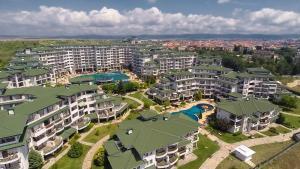 Emerald DH Property, Апартаменты  Равда - big - 59