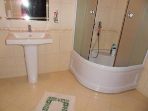 Guest House Yuzhniy, Penziony – hostince  Divnomorskoye - big - 16