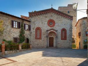 Holiday home Vertine Piscina