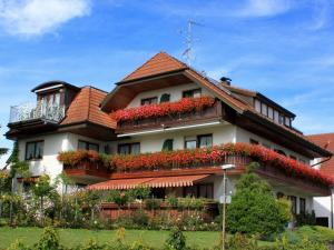Gästehaus Mayer-Bartsch, Guest houses  Meersburg - big - 1