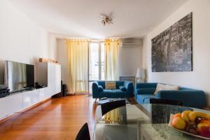 Ugo Foscolo Apartment