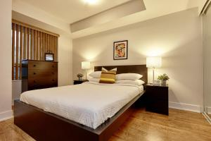 Торонто - Atlas Suites Wellington - Furnished Apartments
