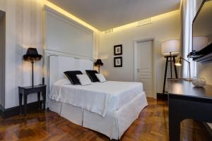 Рим - Bellezza Al Colosseo - B&B & Apts