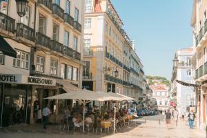 Entre o Carmo e a Trindade, Appartamenti  Lisbona - big - 11
