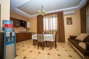 Guest House Yuzhniy, Penziony – hostince  Divnomorskoye - big - 11
