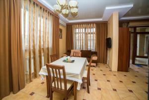 Guest House Yuzhniy, Penziony – hostince  Divnomorskoye - big - 12