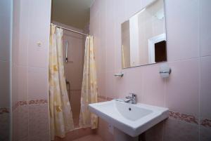 Guest House Yuzhniy, Penziony – hostince  Divnomorskoye - big - 4