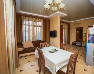Guest House Yuzhniy, Penziony – hostince  Divnomorskoye - big - 20
