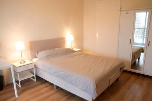 660 Calypso 2 bedroom Apartment with Private Parking*Non Smoking*(Róterdam)