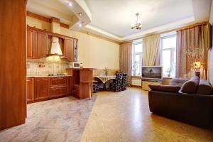 Apartment on Suvorovskiy