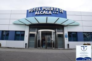 (Hotel Puerta de Alcalá)