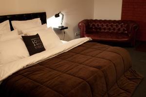 Отель October Riverside Inn - фото 17