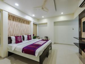 OYO Rooms Balgandharva JM Road