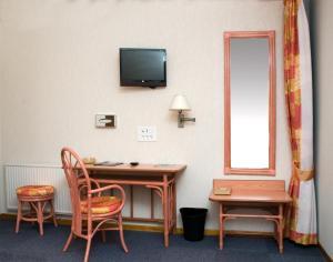 Hôtel De Normandie, Отели  Conches-en-Ouche - big - 6