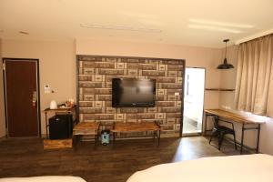 Central Hotel, Hotely  Zhongli - big - 22