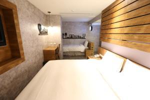 Central Hotel, Hotely  Zhongli - big - 18