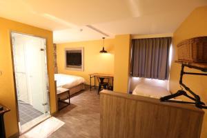 Central Hotel, Hotely  Zhongli - big - 34