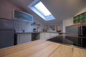 Charmante Dachwohnung mit Terrasse