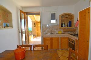 Casa Orizzonte, Holiday homes  Patù - big - 3