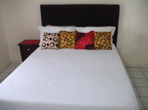 The Costa Kingston Apartment