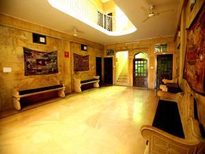 OYO 2280 Hotel Marina Mahal, Отели  Джайсалмер - big - 14