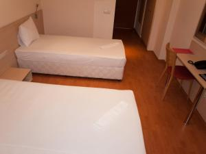 Hotel Astra, Hotel  Sofia - big - 25