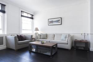 Onslow Gardens Apartment