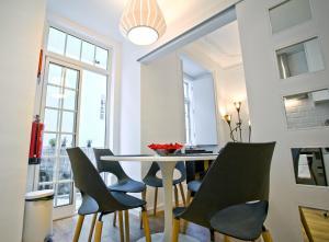 Entre o Carmo e a Trindade, Appartamenti  Lisbona - big - 20