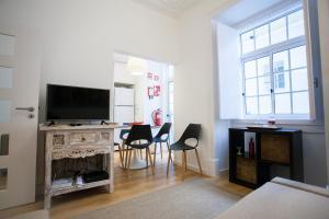 Entre o Carmo e a Trindade, Appartamenti  Lisbona - big - 44