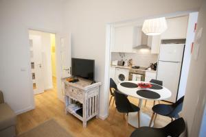 Entre o Carmo e a Trindade, Appartamenti  Lisbona - big - 51