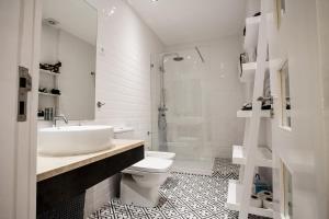 Entre o Carmo e a Trindade, Appartamenti  Lisbona - big - 54