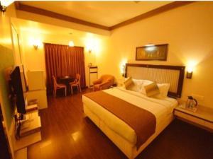 OYO Premium Near Tararani Chowk