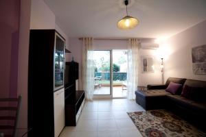 Apartamentos Kasa25 Golf & Beach Hoyo 18, Ferienwohnungen  Alicante - big - 36