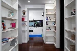 Vittoria Halldis Apartments, Апартаменты  Милан - big - 12