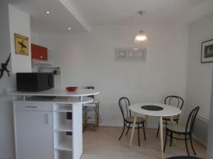 Rental Apartment Corsaires 2