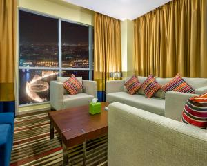 One-Bedroom Suite Burj Khalifa and Fountain View