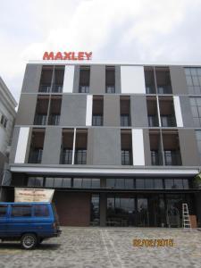 Maxley Hotel @Arjuna