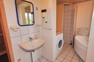 Hvide Sande Holiday Home 376, Ferienhäuser  Nørre Lyngvig - big - 8