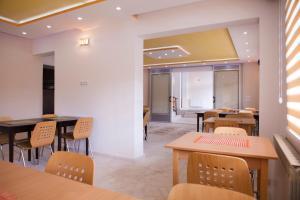 Hotel Hayat Hills - фото 2