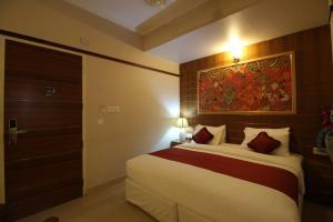 Srivar Hotels, Отели  Guruvāyūr - big - 46