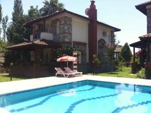 Dede Villa