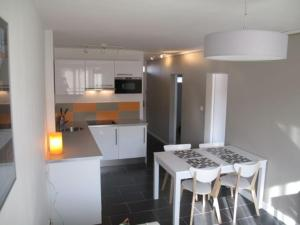 Appartement St.Cyprien, Apartments  Toulouse - big - 16