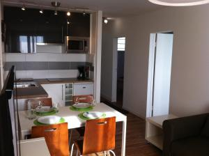 Appartement St.Cyprien, Apartments  Toulouse - big - 23