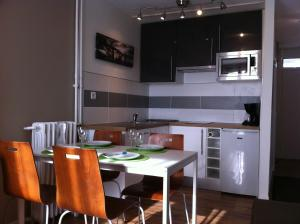 Appartement St.Cyprien, Apartmány  Toulouse - big - 6